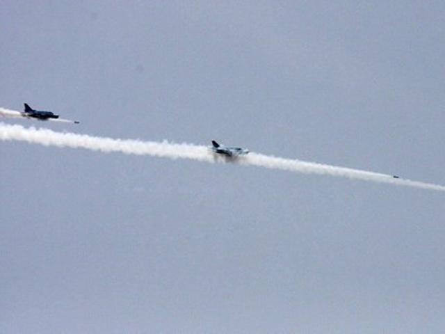 2 may bay su-22 roi o binh thuan do va cham nhau - 1
