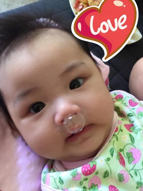 maya lan dau khoe can mat con gai 3 thang tuoi - 2