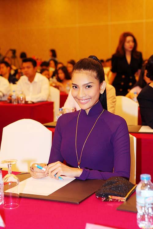 truong thi may tha thuot ao dai tim ben dan my nhan viet - 7
