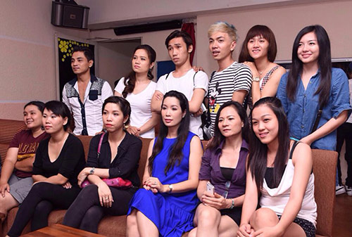 trinh kim chi bung bau 8 thang di cham diem - 3