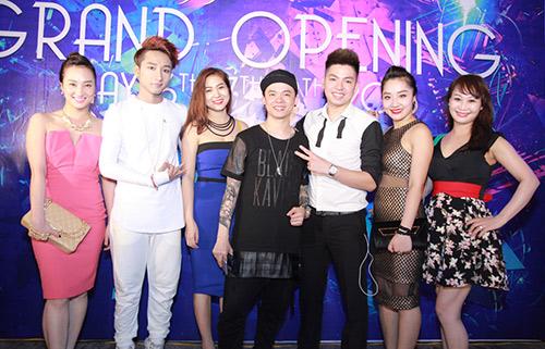 """""""ban sao"""" son tung duoc chao don khong kem """"ban chinh"""" - 7"""