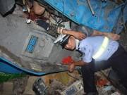 Tin quốc tế - Cảm động CSGT dùng thân đỡ nạn nhân bị tai nạn suốt 3 giờ