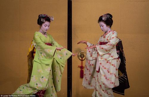 kham pha cuoc song ben trong cua geisha nhat ban - 9