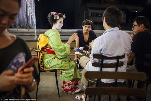 kham pha cuoc song ben trong cua geisha nhat ban - 12