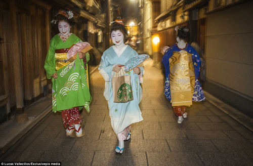 kham pha cuoc song ben trong cua geisha nhat ban - 20