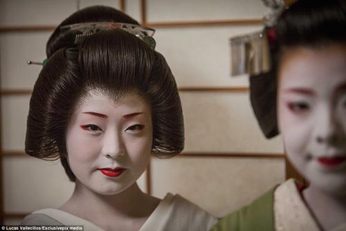 kham pha cuoc song ben trong cua geisha nhat ban - 4