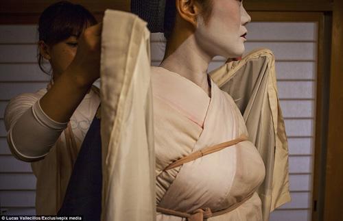 kham pha cuoc song ben trong cua geisha nhat ban - 7