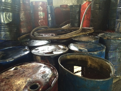 nghi an tuon 100.000 lit mo ban vao bep an cong nghiep - 2