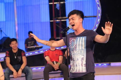 "uyen linh lam khach moi huong dan ""top 5 nam idol"" - 15"