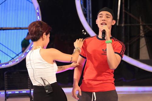 "uyen linh lam khach moi huong dan ""top 5 nam idol"" - 11"