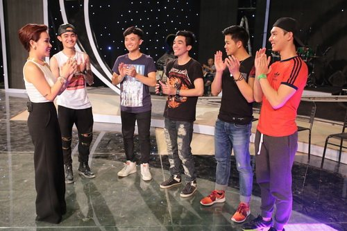 "uyen linh lam khach moi huong dan ""top 5 nam idol"" - 9"