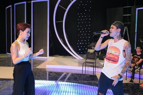 "uyen linh lam khach moi huong dan ""top 5 nam idol"" - 6"