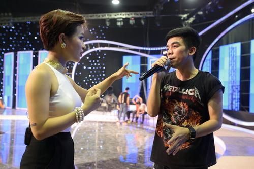 "uyen linh lam khach moi huong dan ""top 5 nam idol"" - 5"