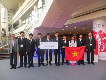 vn doat giai cao tai olympic vat li chau a 2015 - 1
