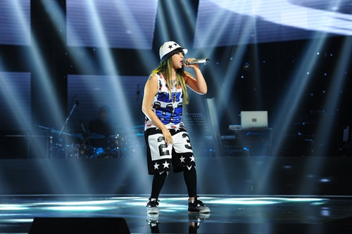 "the voice 2015: my tam tro tai ""du"" thi sinh ve doi - 17"