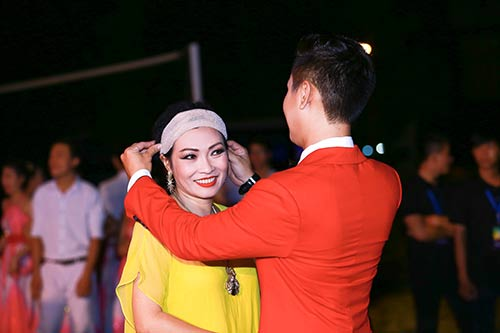 nguyen khang duoc dan chi phuong thanh cham soc - 2