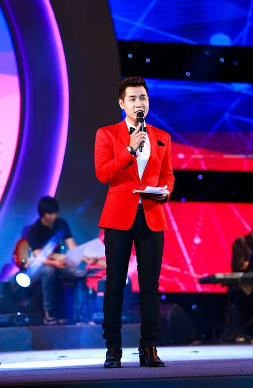 nguyen khang duoc dan chi phuong thanh cham soc - 4