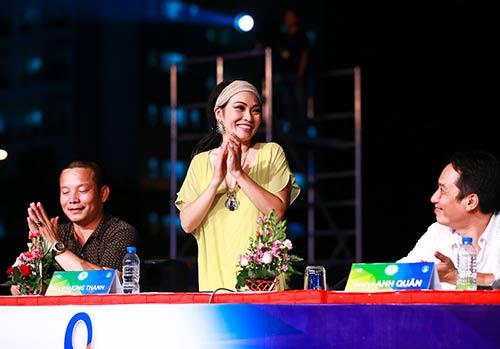 nguyen khang duoc dan chi phuong thanh cham soc - 3