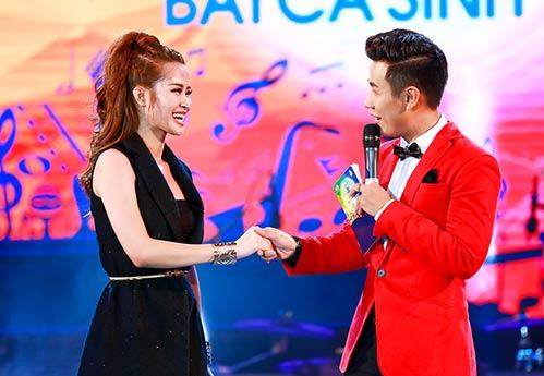 nguyen khang duoc dan chi phuong thanh cham soc - 9