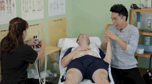 """""""cuoi te ghe """" xem cac ong chong vat va thu mang thai - 11"""