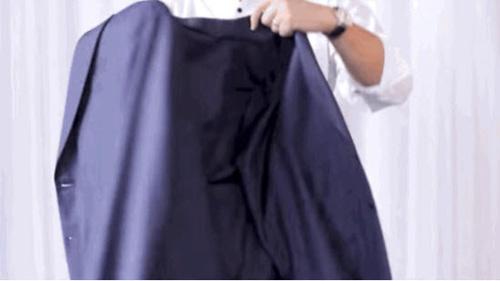 video: gap ao blazer khong de lai nep nhan cuc de - 2