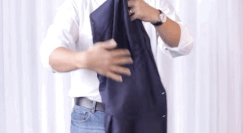 video: gap ao blazer khong de lai nep nhan cuc de - 3
