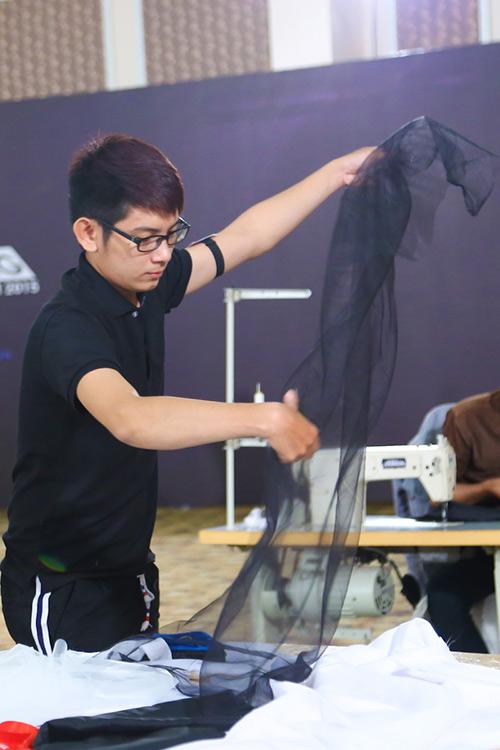project runway 2015: thi sinh dau tri cang thang - 13