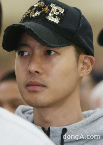"kim hyun joong ""xuong sac"" ngay nhap ngu - 4"