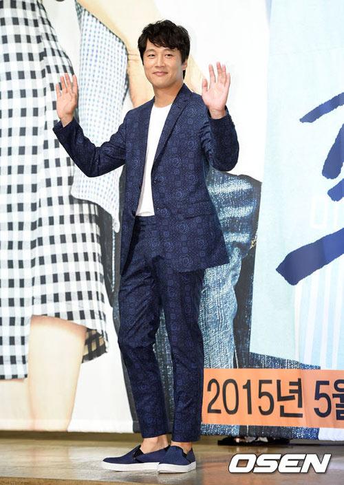 "kim hyun joong ""xuong sac"" ngay nhap ngu - 16"