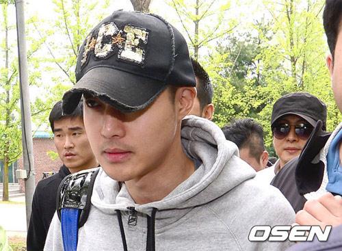 "kim hyun joong ""xuong sac"" ngay nhap ngu - 7"