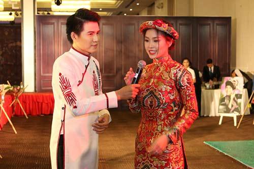 mc vu manh cuong dien ao dai dan chuong trinh - 3