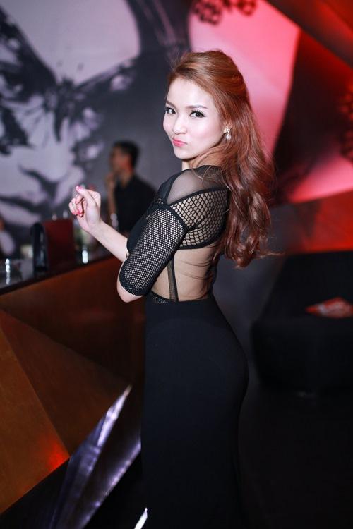 thuy top khoe dang chuan nho vay cut-out - 3