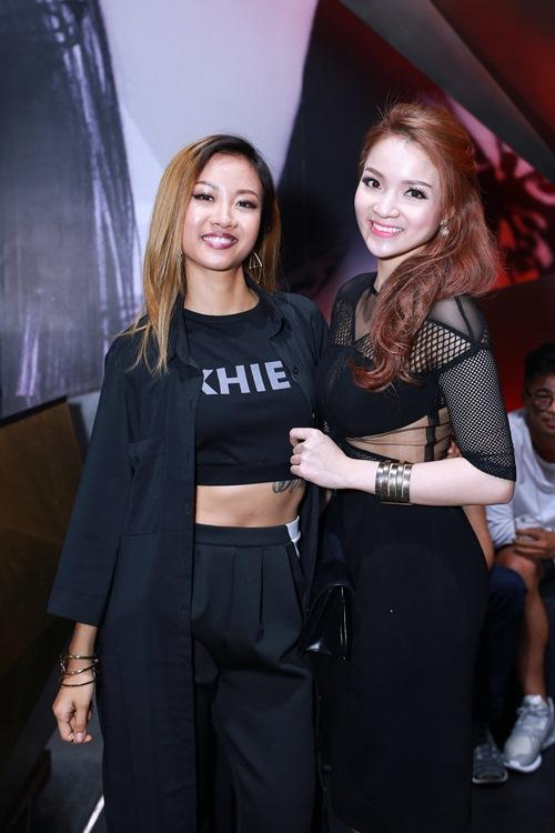 thuy top khoe dang chuan nho vay cut-out - 6