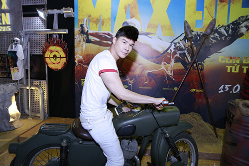nathan lee lan dau khoe em gai xinh nhu hot girl - 6
