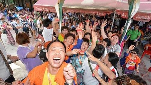 dai gia tq cho 12.700 nhan vien di du lich thai lan - 3
