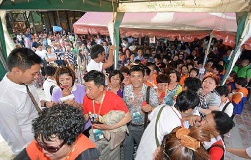 dai gia tq cho 12.700 nhan vien di du lich thai lan - 6