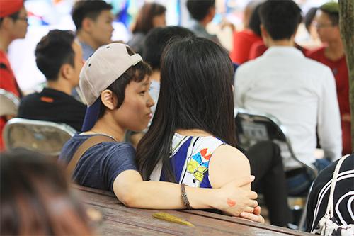 hang tram ban tre nhay flashmob ung ho nguoi dong tinh - 9
