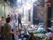 Tin trong nước - Hà Nội: Cháy chợ Phùng Khoang, 3 người nhập viện