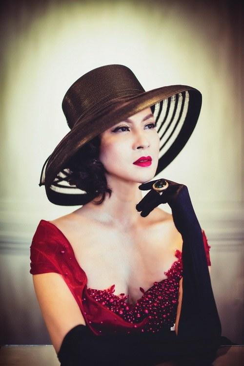 """MC Thanh Mai khoe vẻ đẹp """"quý tộc"""" tuổi 41-1"""