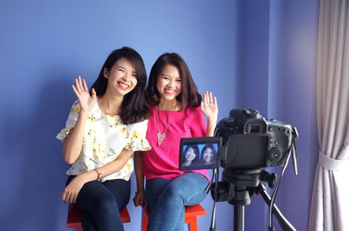 gap go hai blogger lam dep dang duoc dan mang yeu thich - 2