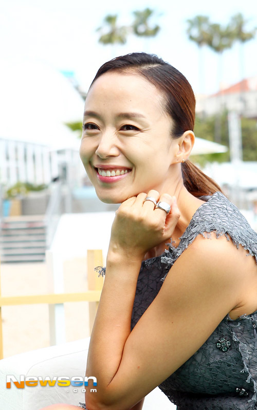 "jeon ji hyun khoe sac ""sang chanh"" tren tham do cannes - 4"