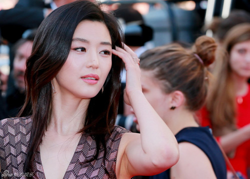 "jeon ji hyun khoe sac ""sang chanh"" tren tham do cannes - 2"