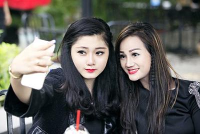 Những mẹ Việt U40 gây thương nhớ vì đẹp như gái 20-8
