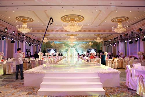 Ngắm đám cưới lung linh của người đẹp Chân Hoàn truyện-13