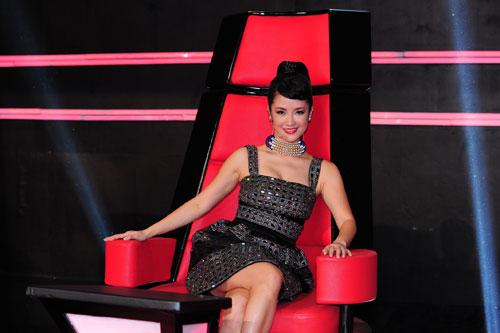Mỹ Tâm không hề thua kém Hà Hồ trên ghế nóng The Voice-9