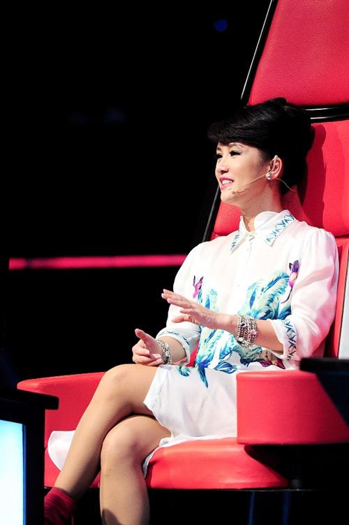 my tam khong he thua kem ha ho tren ghe nong the voice - 7