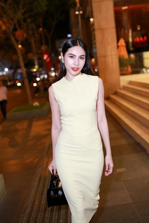 Thủy Tiên quyến rũ khi diện váy hơn 80 triệu-9