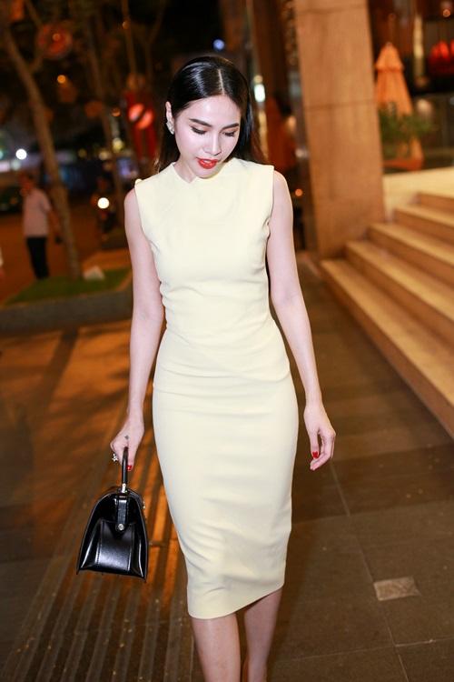 Thủy Tiên quyến rũ khi diện váy hơn 80 triệu-10