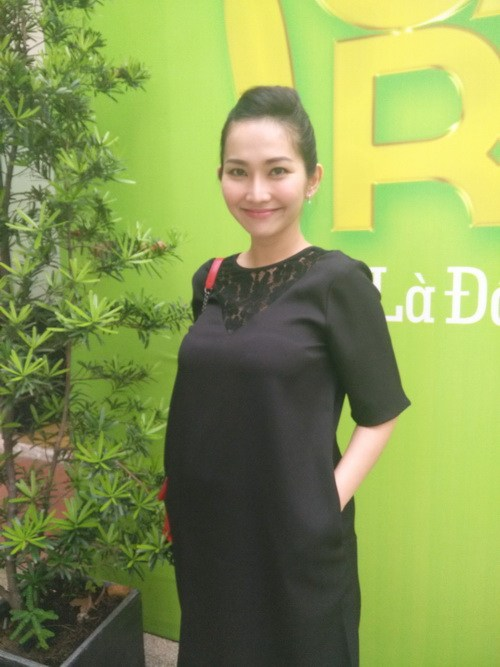 Kim Hiền khoe bụng bầu 6 tháng thon gọn-4