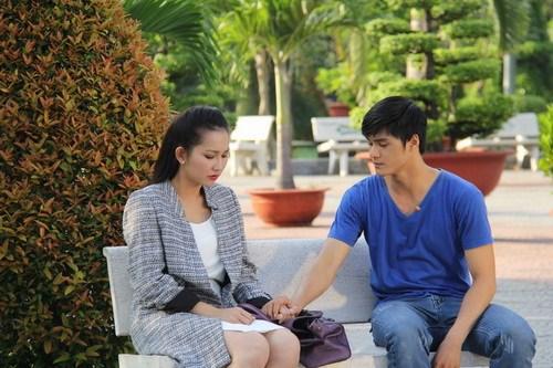 Kim Hiền khoe bụng bầu 6 tháng thon gọn-13